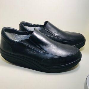 Men's MBT Slip-On Sneaker # 400100-03